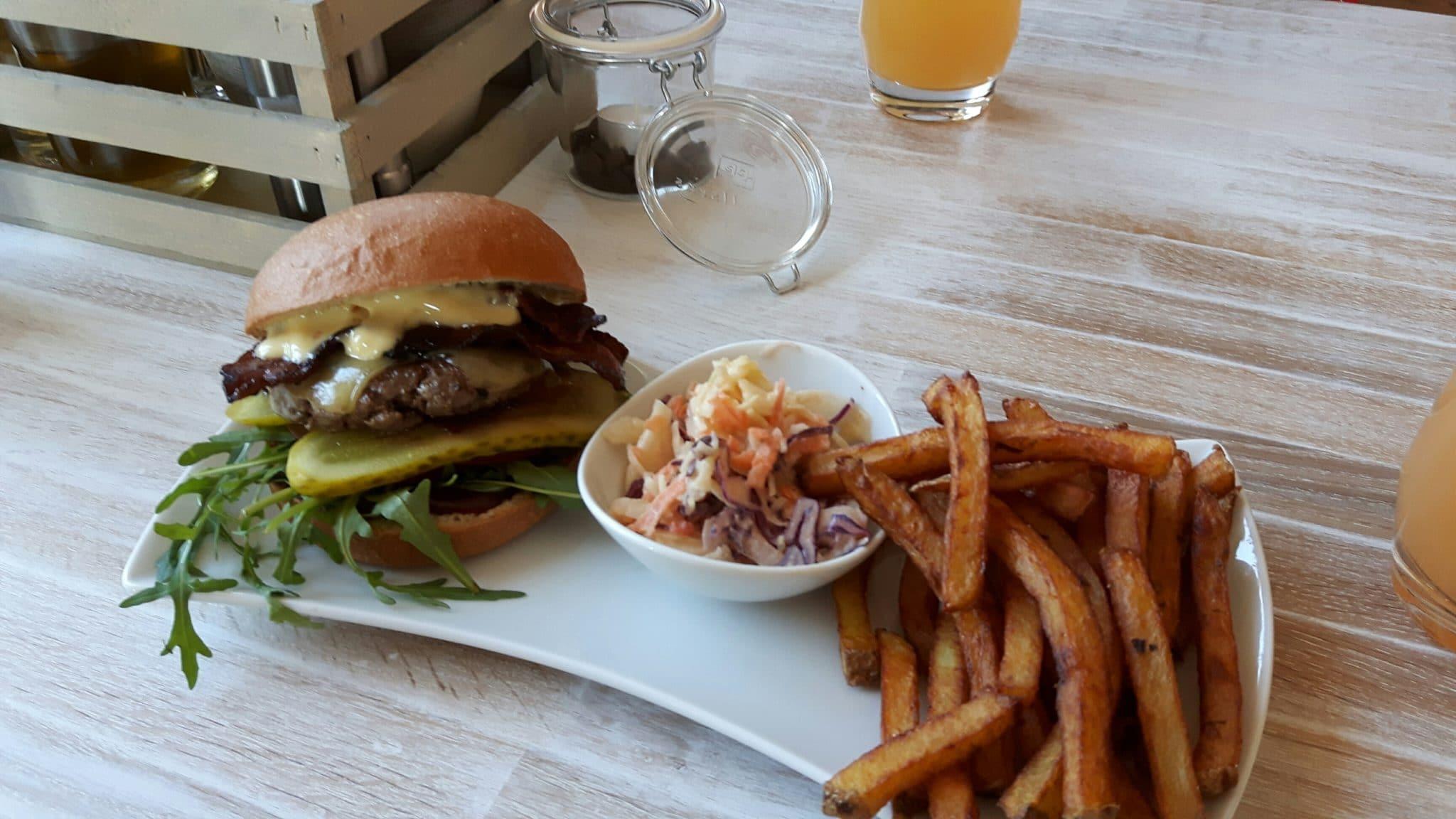 LOKALneun_BBQ_Bacon_Cheeseburger
